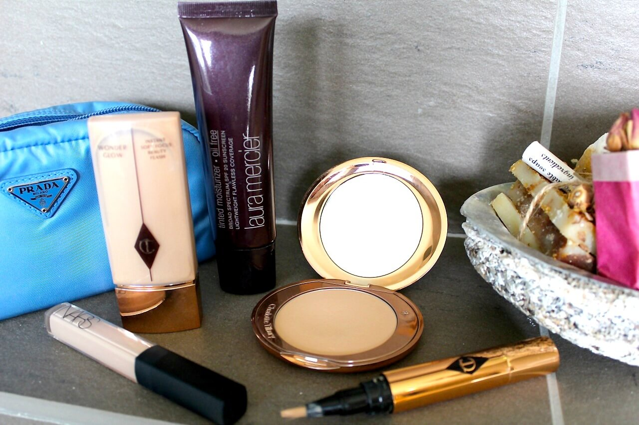What's in my travel makeup bag